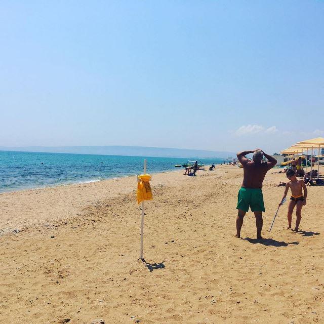 Золотой пляж рядом с Феодосией