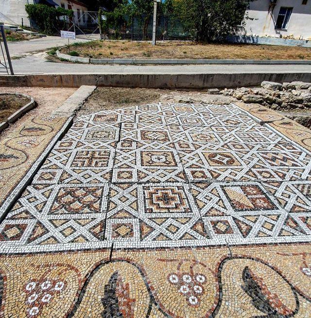 Уникальная мозаика в Херсонесе Таврическом