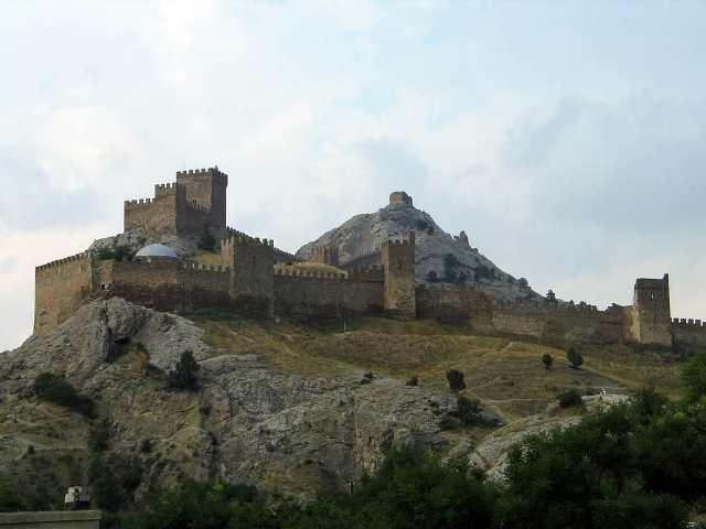 Вид на Генуэзскую крепость. Судак, Крым.