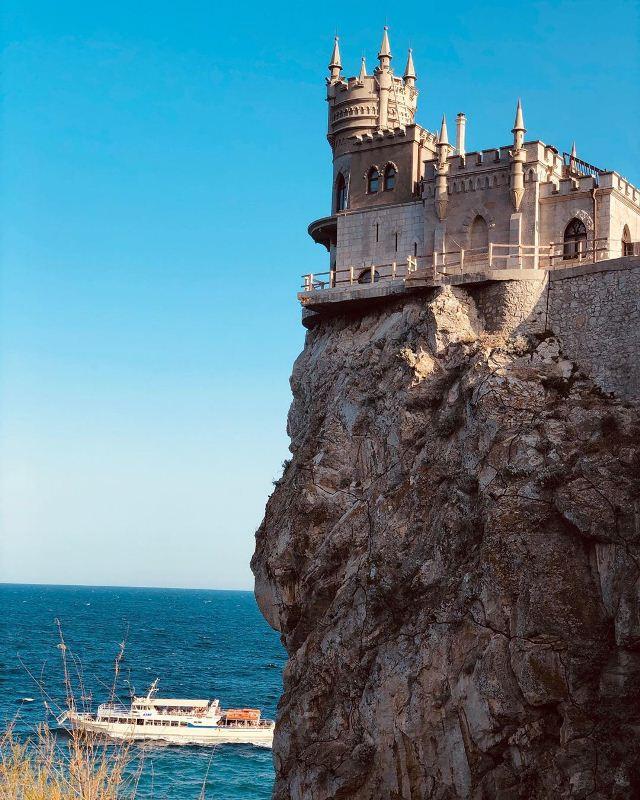 Вид на Замок Ласточкино гнездо