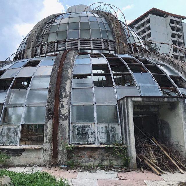 аброшенная оранжерея в санатории Крым (Партенит)