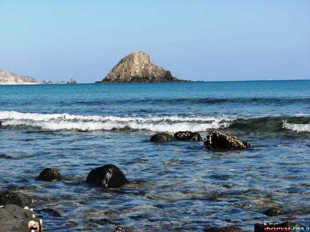 Вид на остров Снуппи (Фуджейра, ОАЭ)