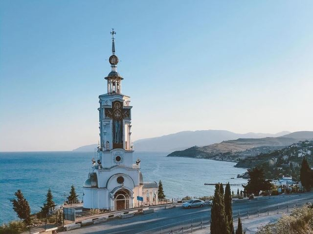 Храм-маяк Святого Николая Чудотворца на ЮБК