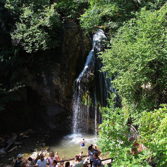 Водопад Джур-Джур рядом с Малореченским