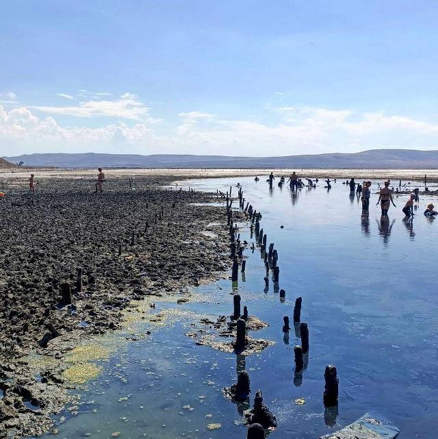 Купание в лечебной чёрной грязи озера Чокрак