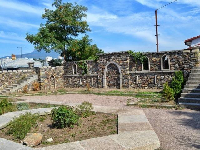 Крепость Апустон в Алуште