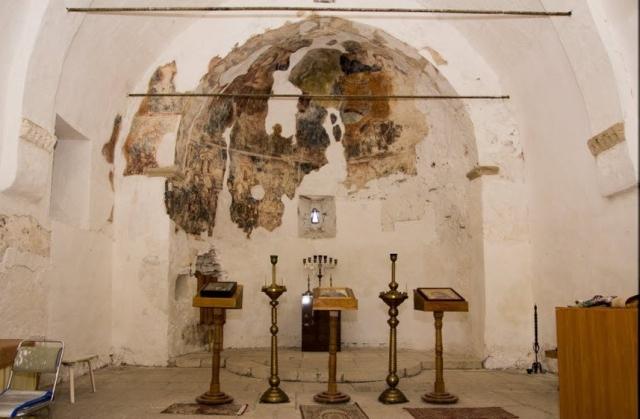 Фрески внутри Храма Святого Дмитрия Солунского