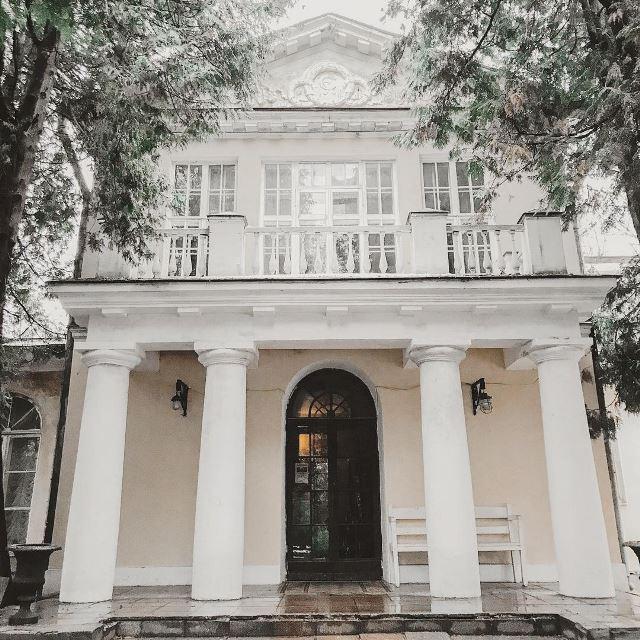 Главное здание усадьбы в Суханово